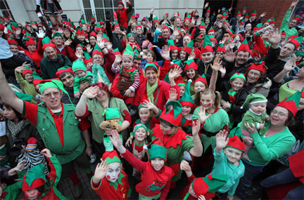 In Pictures: Largest Gathering of Santa's Elves…Nearly 800 People in Bridgend, South Wales…